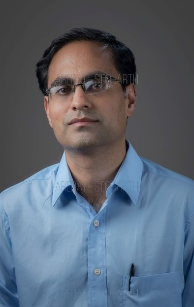 IIT Bombay Professor receives Young Career Award in Nano Science & Technology