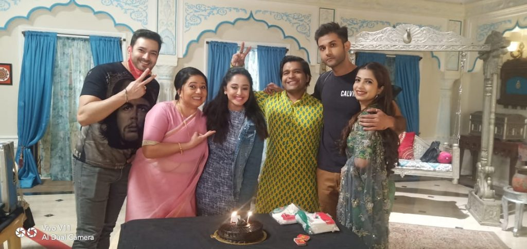 Tina Philip celebrated her birthday on the sets of Aye Mere Humsafar