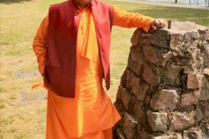 A Young boy at the age of 11 wore saffron robes to serve the humanity