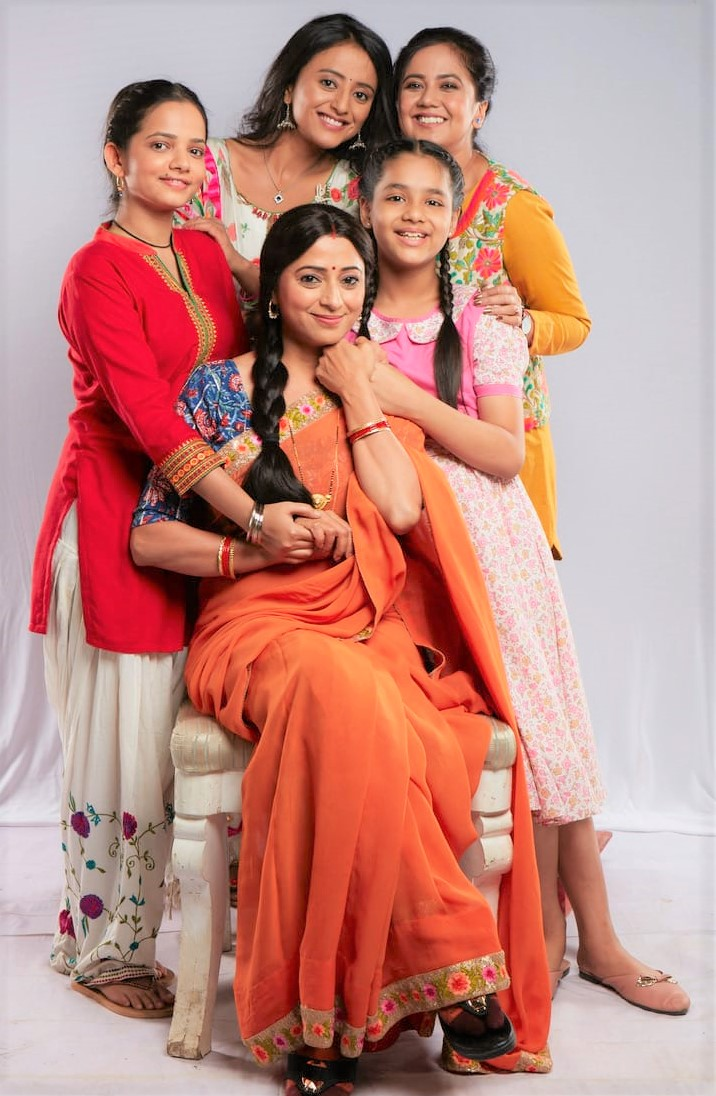 I am surprised to see that my onscreen daughters and I are so similar: Reena Kapoor