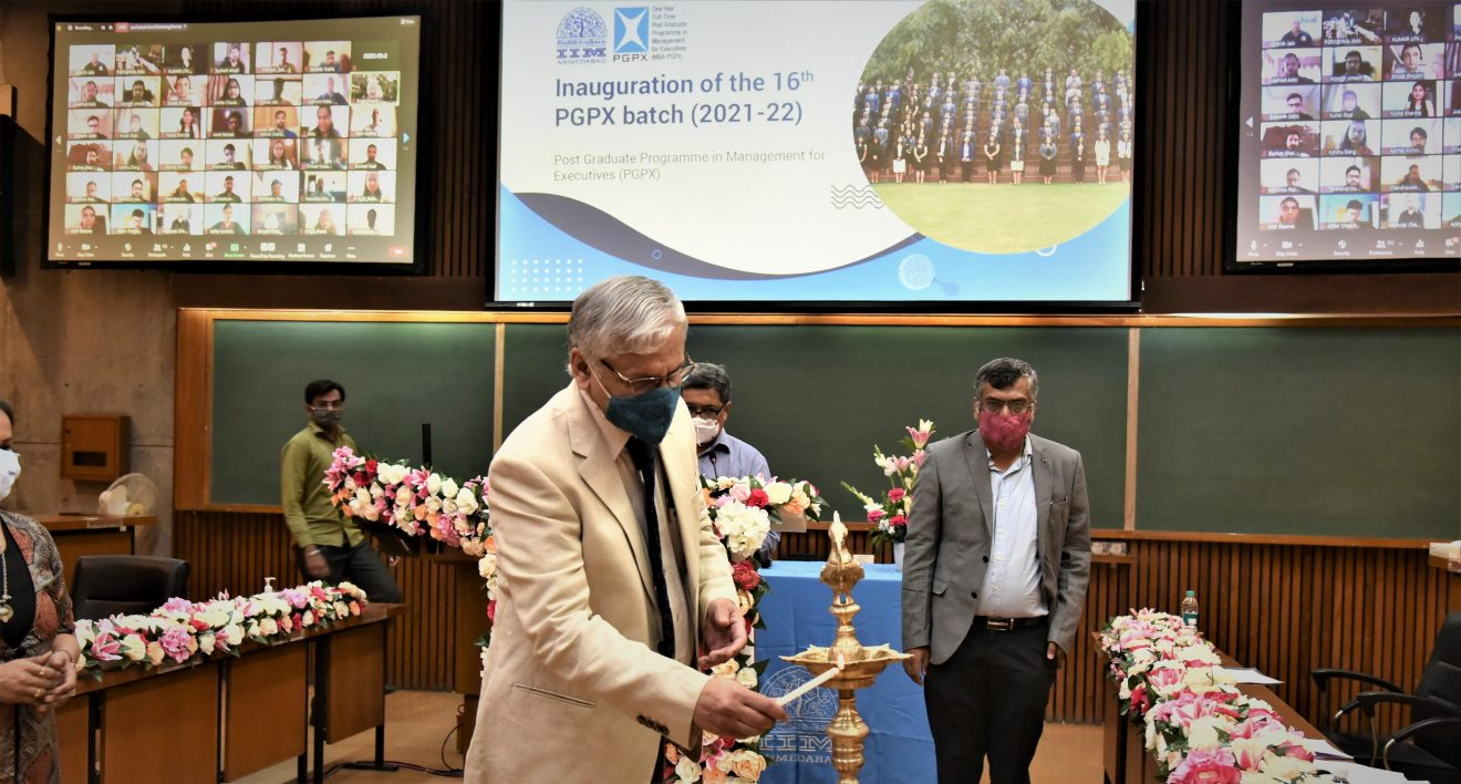 IIMA welcomes its 16thbatch of the MBA-PGPX Programme virtually