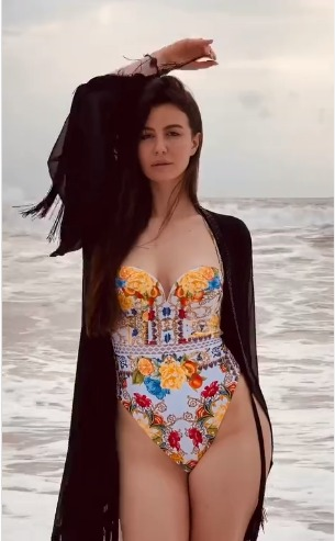 Giorgia Andriani takes a storm over the internet with her new Bikini video