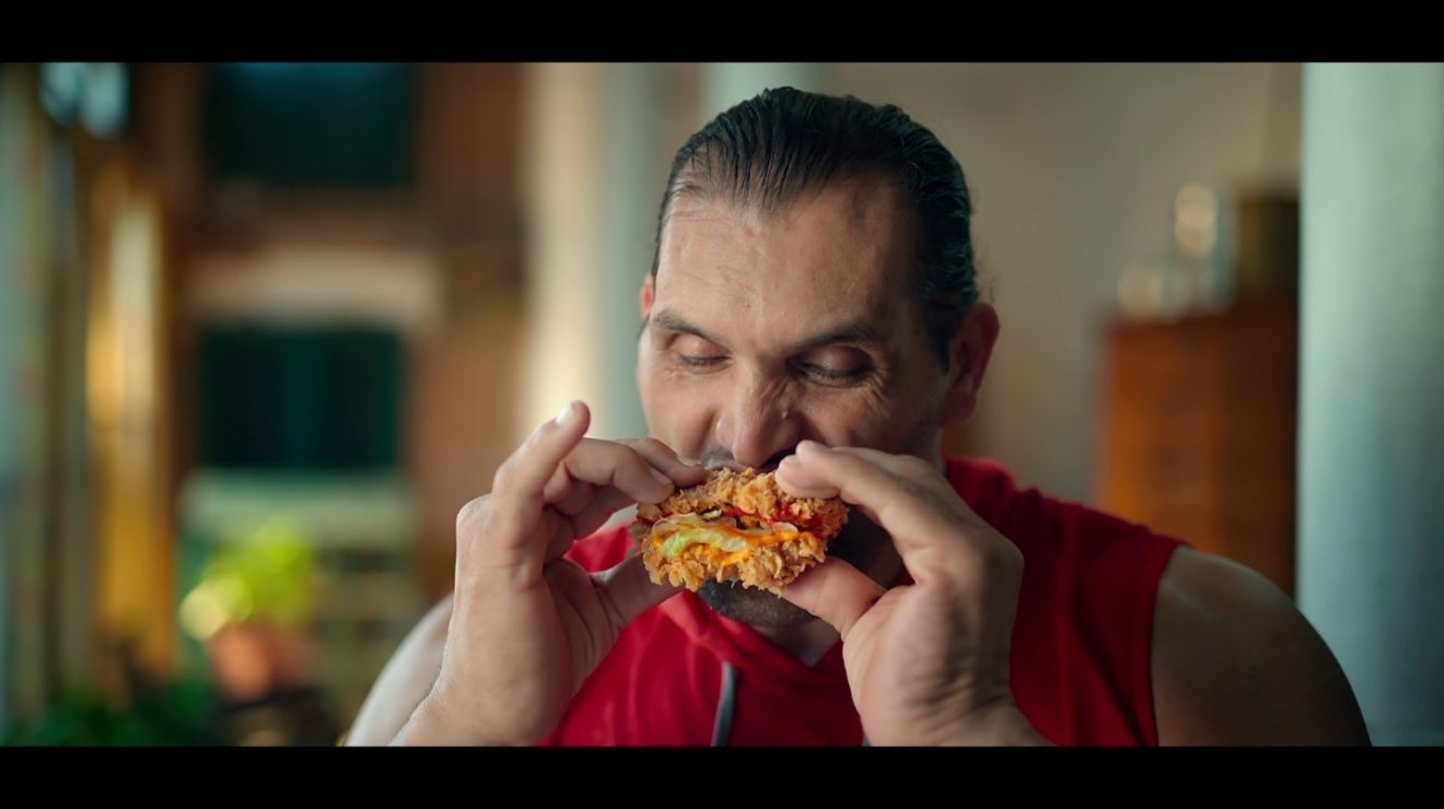 Great Khali meets the Great KFC Double Down Burger